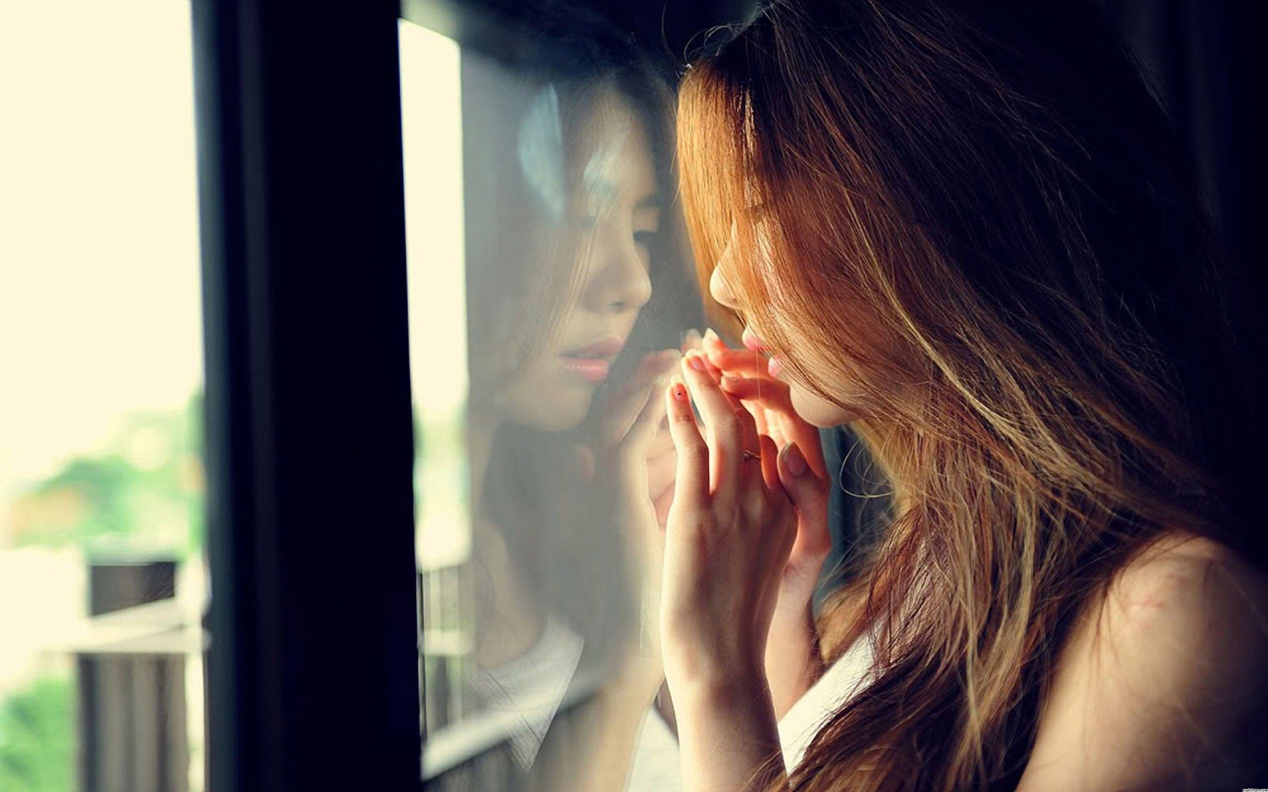girl alone sad wallpaper ubuntu free