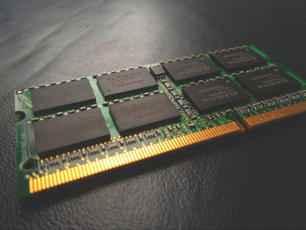 microchip hardware